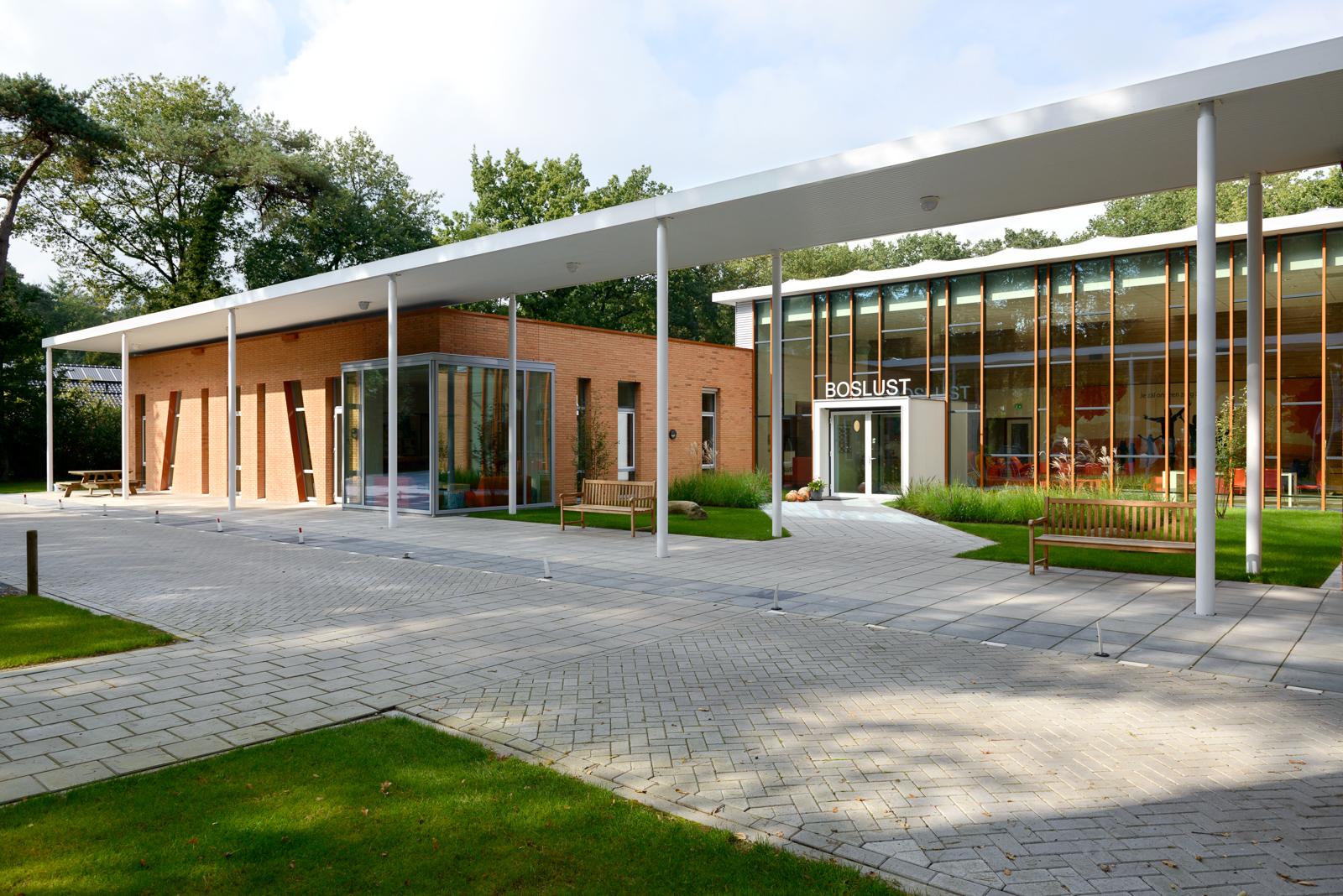 architectuurfotografie-architectuurfotograaf-Deventer-Overijssel-basisschool-Ommen-Kristinsson-Daan-Josee