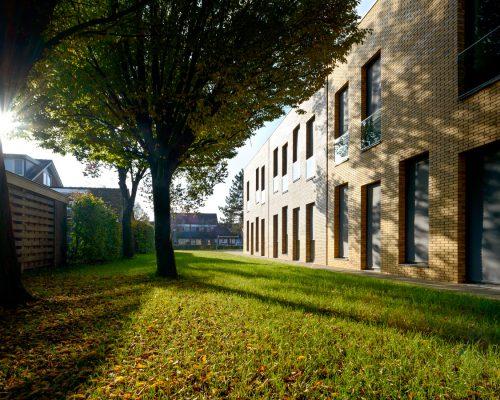 architectuurfotografie-architectuur-foto-architecture-photography-schoolgebouw-school-basisschool-architect-herfst-zonlicht-lage-zon
